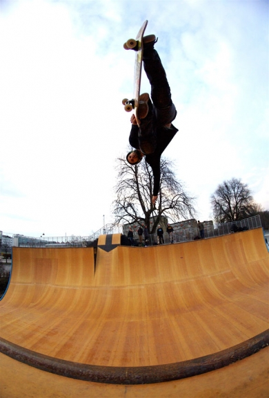 thomas_kring_backside_air
