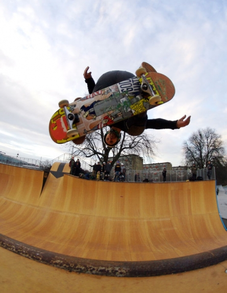 thomas_kring_backside_ollie