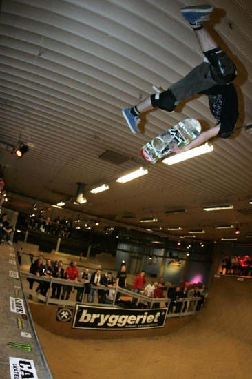 Sam_Bosworth_heelflip